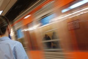 地下鉄の車中でも瞑想は可能です